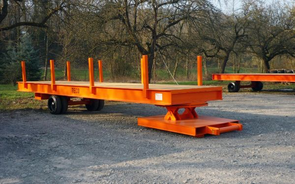 Rolltrailer with stakes, payload of 10t